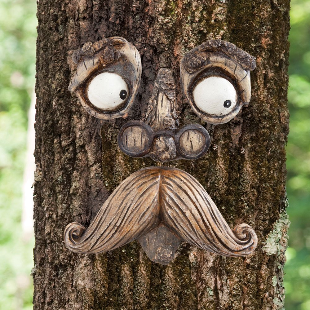 Exceptionnel Amazon.com : Bits And Pieces Old Man Tree Hugger   Garden Peeker Yard Art    Outdoor Tree Hugger Sculpture Whimsical Tree Face Garden Decoration : Garden  U0026 ...