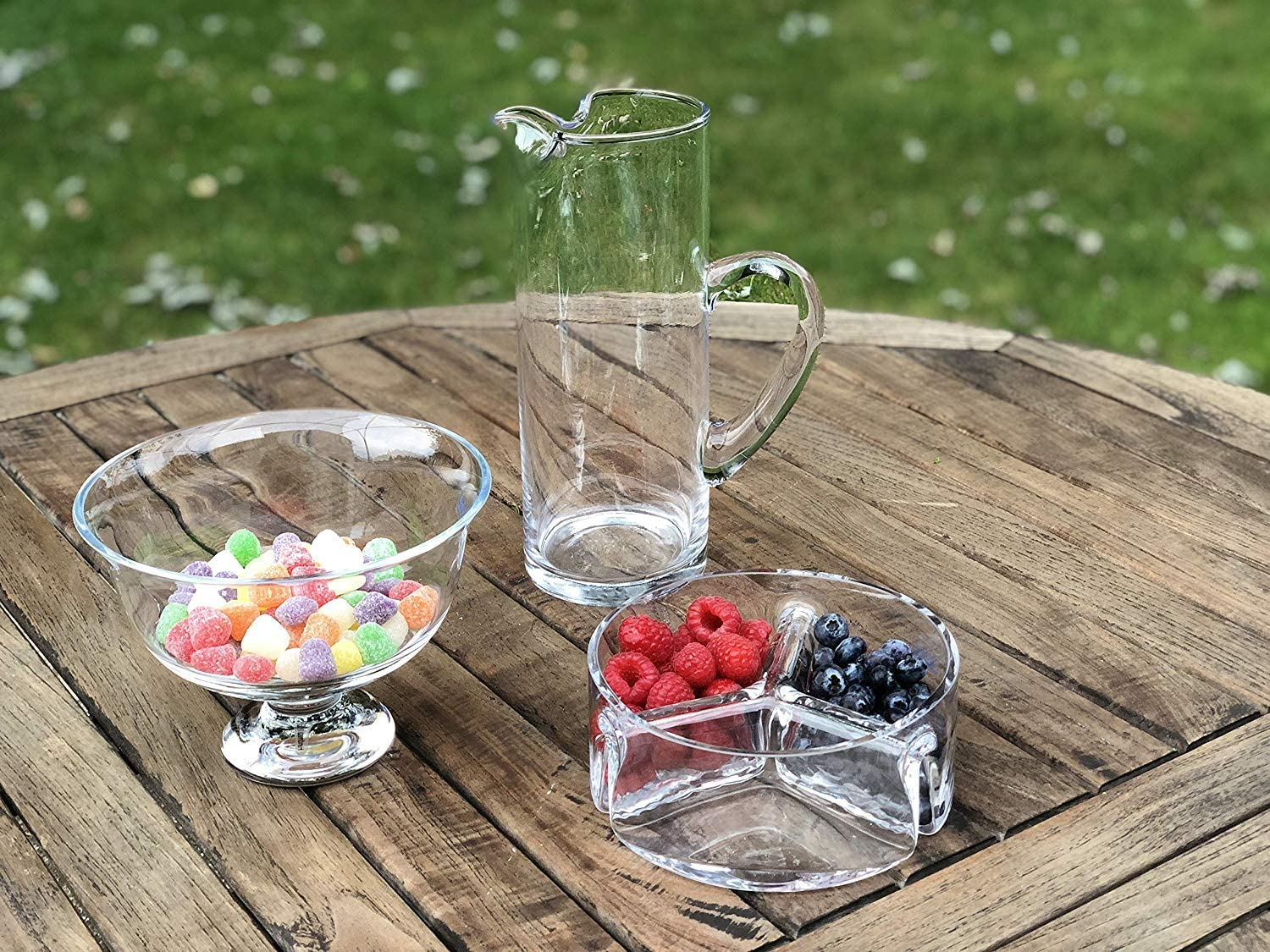 Amazon Com Badash Trista Crystal Serving Dish 3 Section Round Glass Server For Fruit Candy Dips Snacks Fine European Mouth Blown Lead Free Crystal Home Kitchen