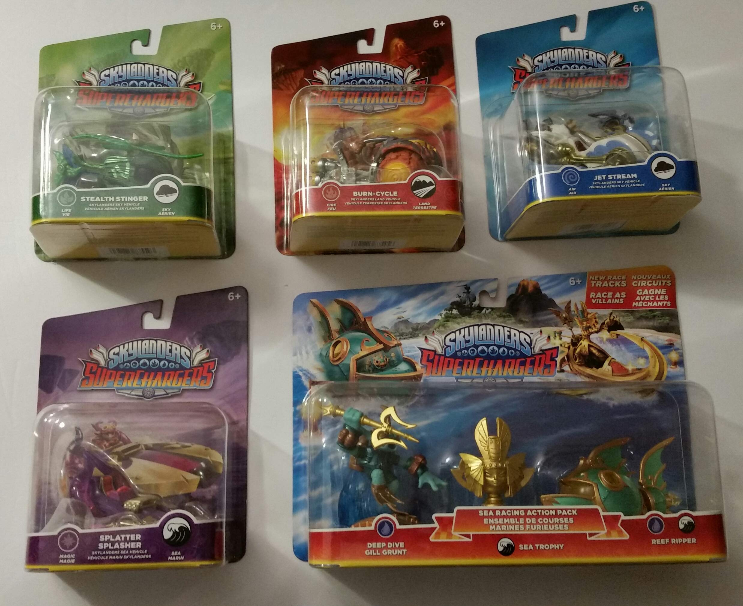 Skylanders SuperChargers 5 Pack Vehicle Starter Bundle! 5 Vehicles, 1 Trophy, 1 Character: Splatter Splasher , Burn-Cycle , Jet Stream ,Stealth Stinger and Deep Dive Gill Grunt, Reep Ripper Sea Trophy