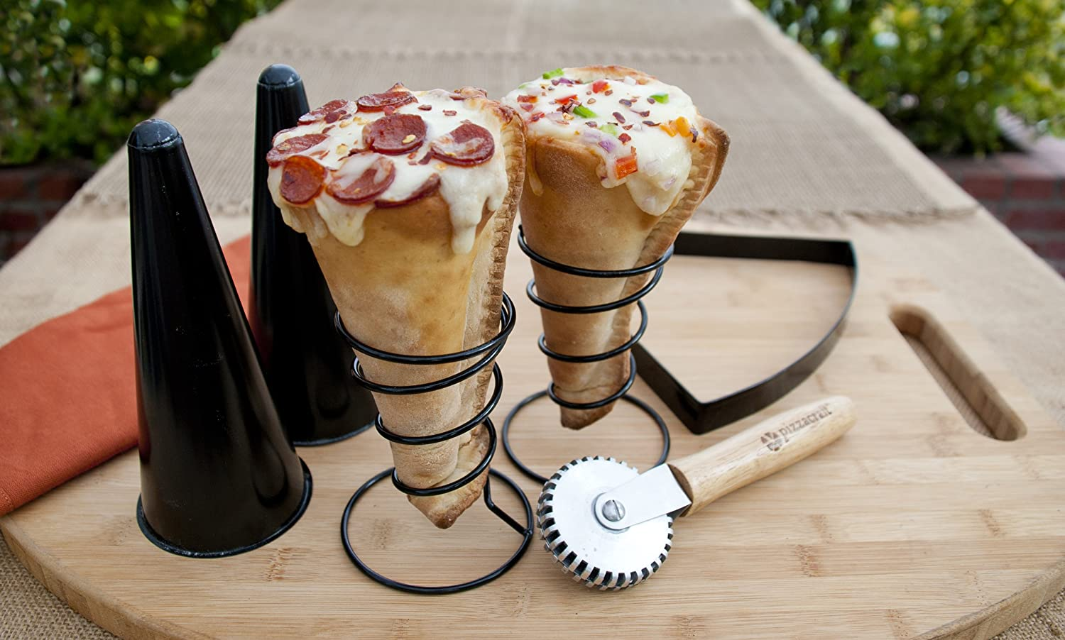 Pizzacraft New Pizza Cone Set For 2 6 Pieces Amazoncouk Garden