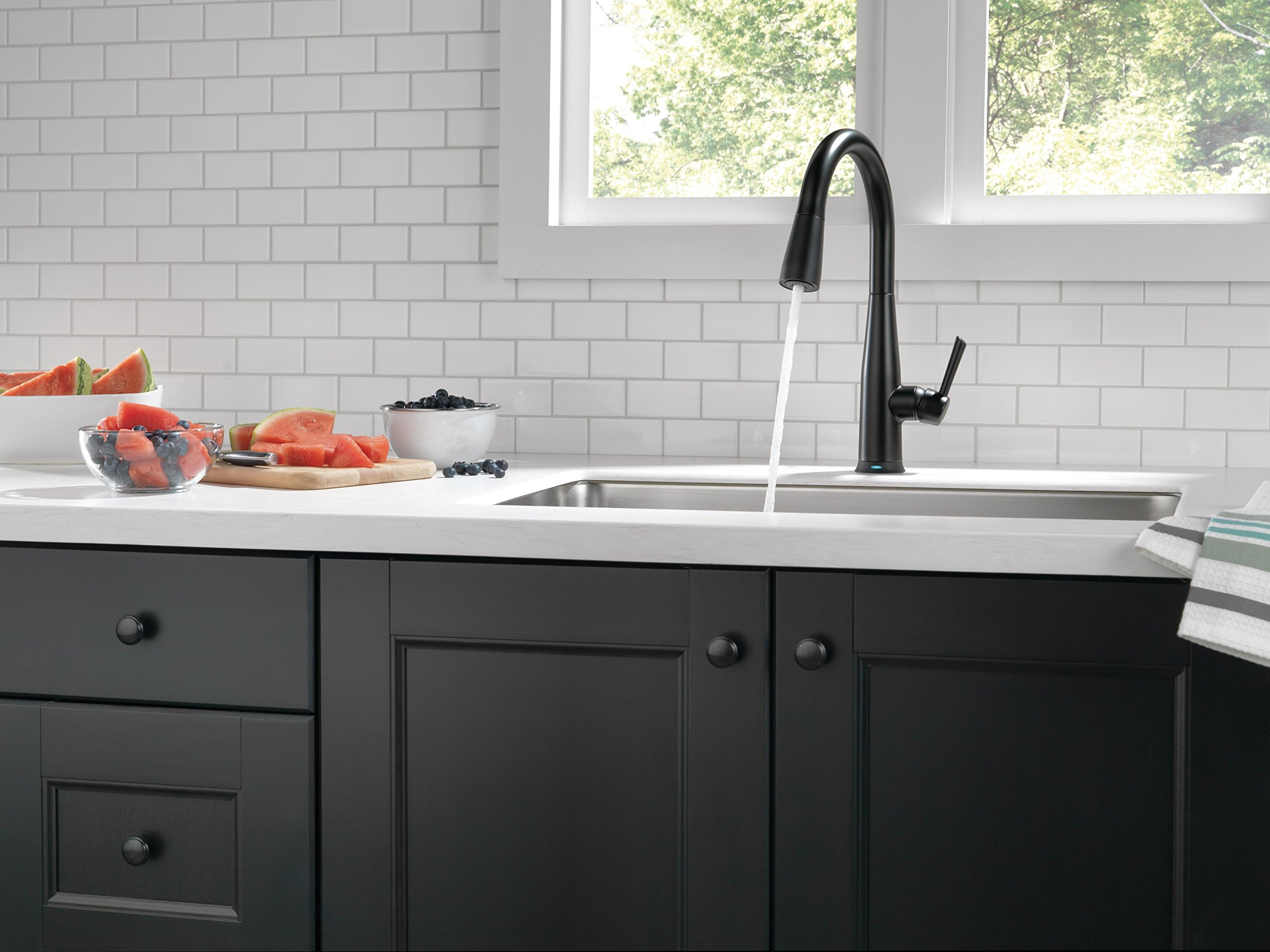 Delta Essa Single-Handle Kitchen Pull-Down Faucet Touch with Touch2O ...