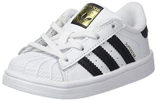 hot sale online c8ab2 2379c adidas Superstar, Zapatillas para Niños  Amazon.es  Zapatos y complementos