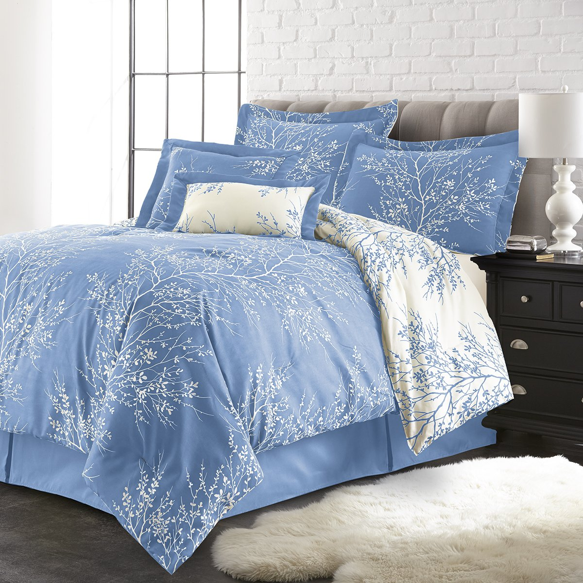 Spirit Linen Hotel 5Th Ave Plush Reversible Foliage Comforter, King, Light Blue/White