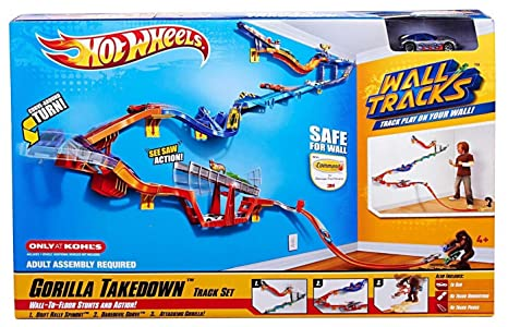 Amazon Hot Wheels Wall Tracks Gorilla Takedown Track Set