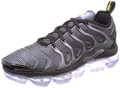 79ccc5f4442 Nike Men s s Air Vapormax Plus Track   Field Shoes  Amazon.co.uk ...