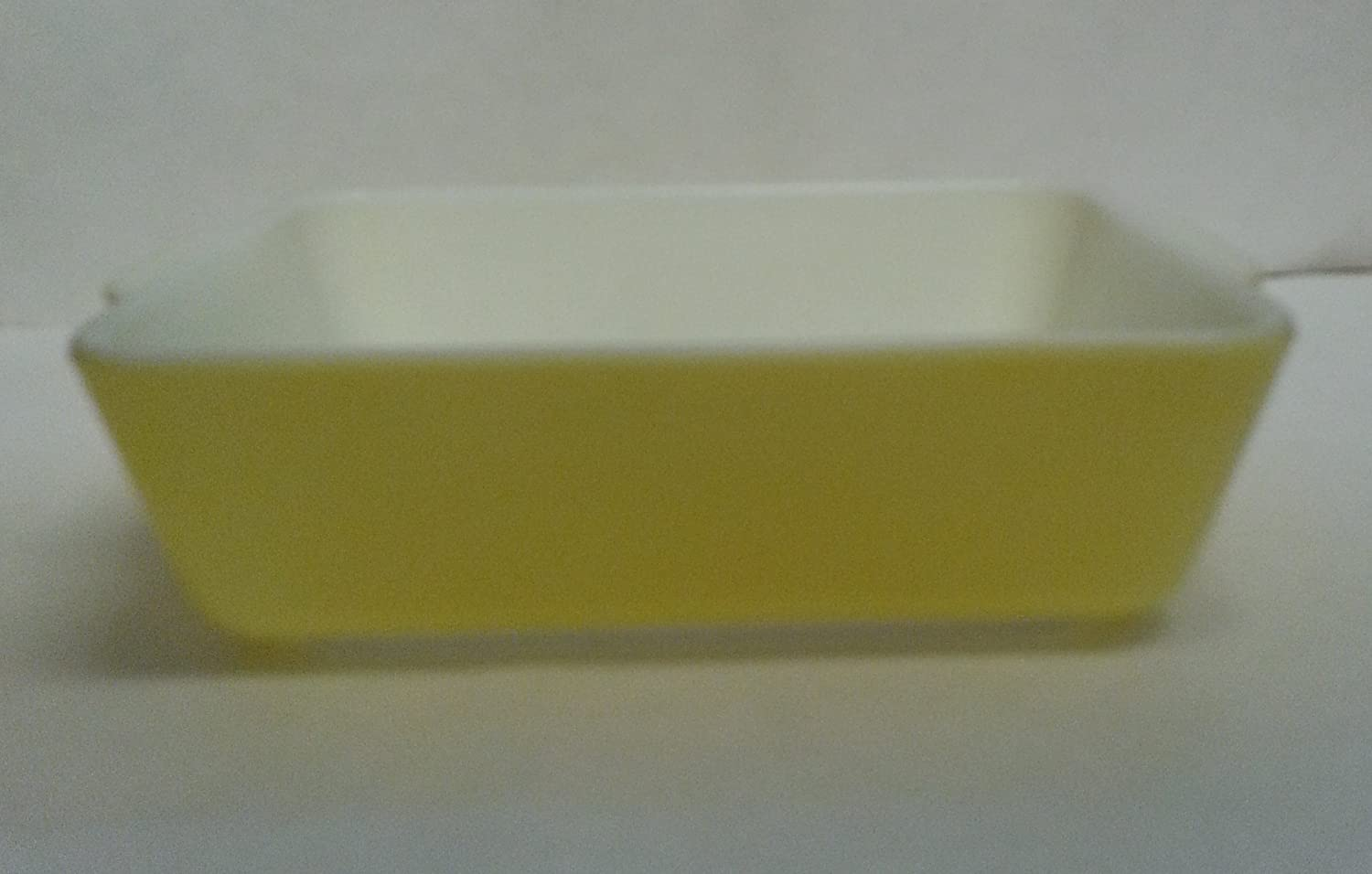 Vintage Pyrex Refigerator Dish 503 Yellow with original lid 1948-1960