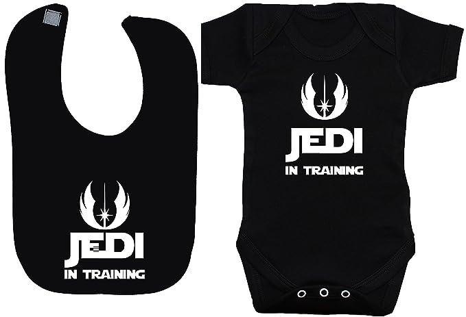 798086d81 Jedi in Training body para bebé bebé chaleco camiseta y alimentación babero  Set Star Wars 0 A 12 meses  Amazon.es  Ropa y accesorios