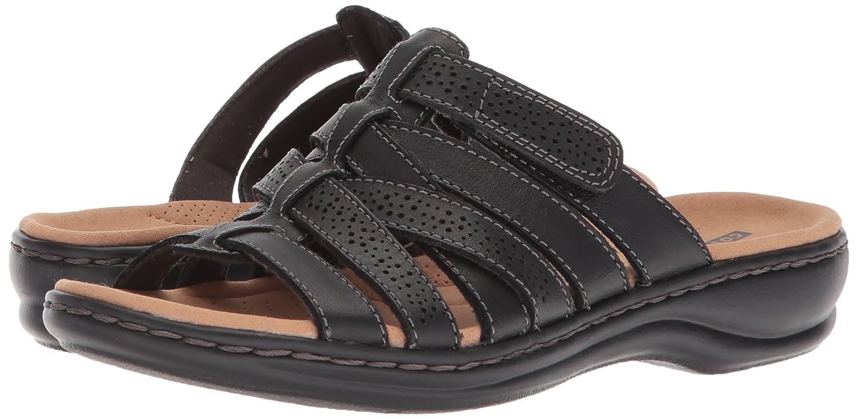 6d074bb3d91 Clarks Women s Leisa Field Flat Sandals  Amazon.ca  Shoes   Handbags