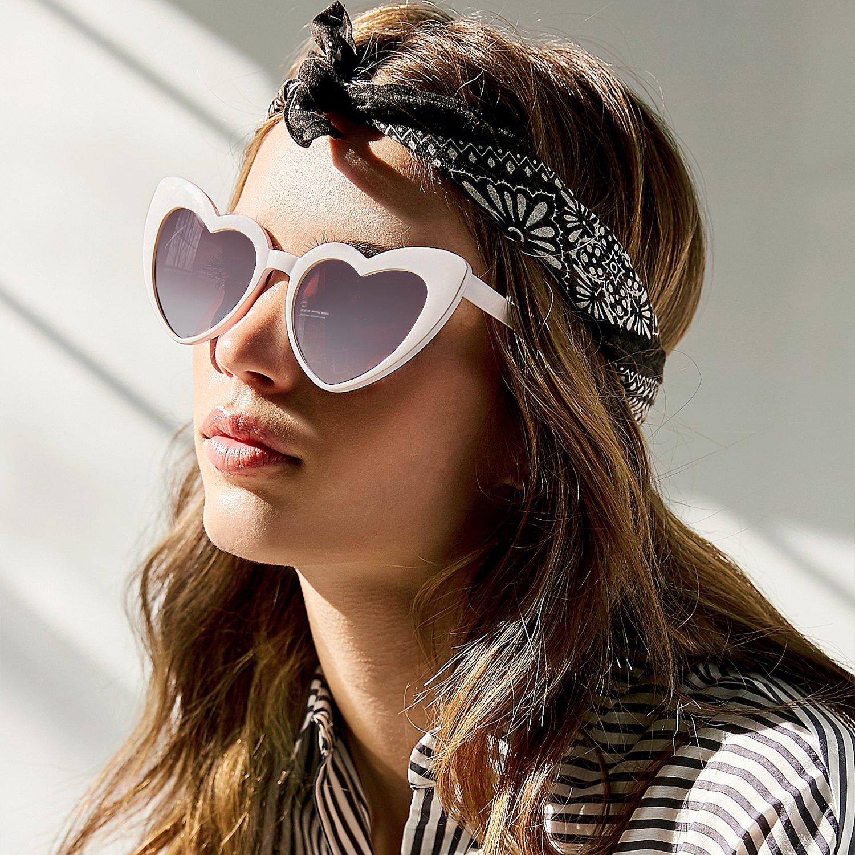 45b330faa0 Amazon.com  GIFIORE Clout Goggle Heart Sunglasses Vintage Cat Eye Mod Style  Retro Kurt Cobain Glasses  Clothing