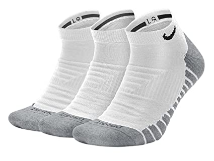 b2d8c240bca5 Amazon.com  NIKE Dry Cushion No-Show Training Socks (3 Pairs)  Nike ...