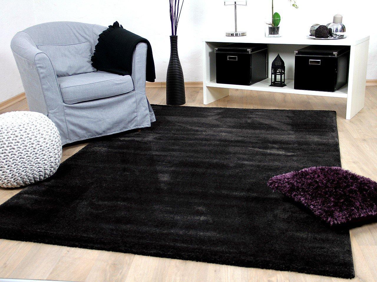 Tapis gris noir pas cher et design pour salon