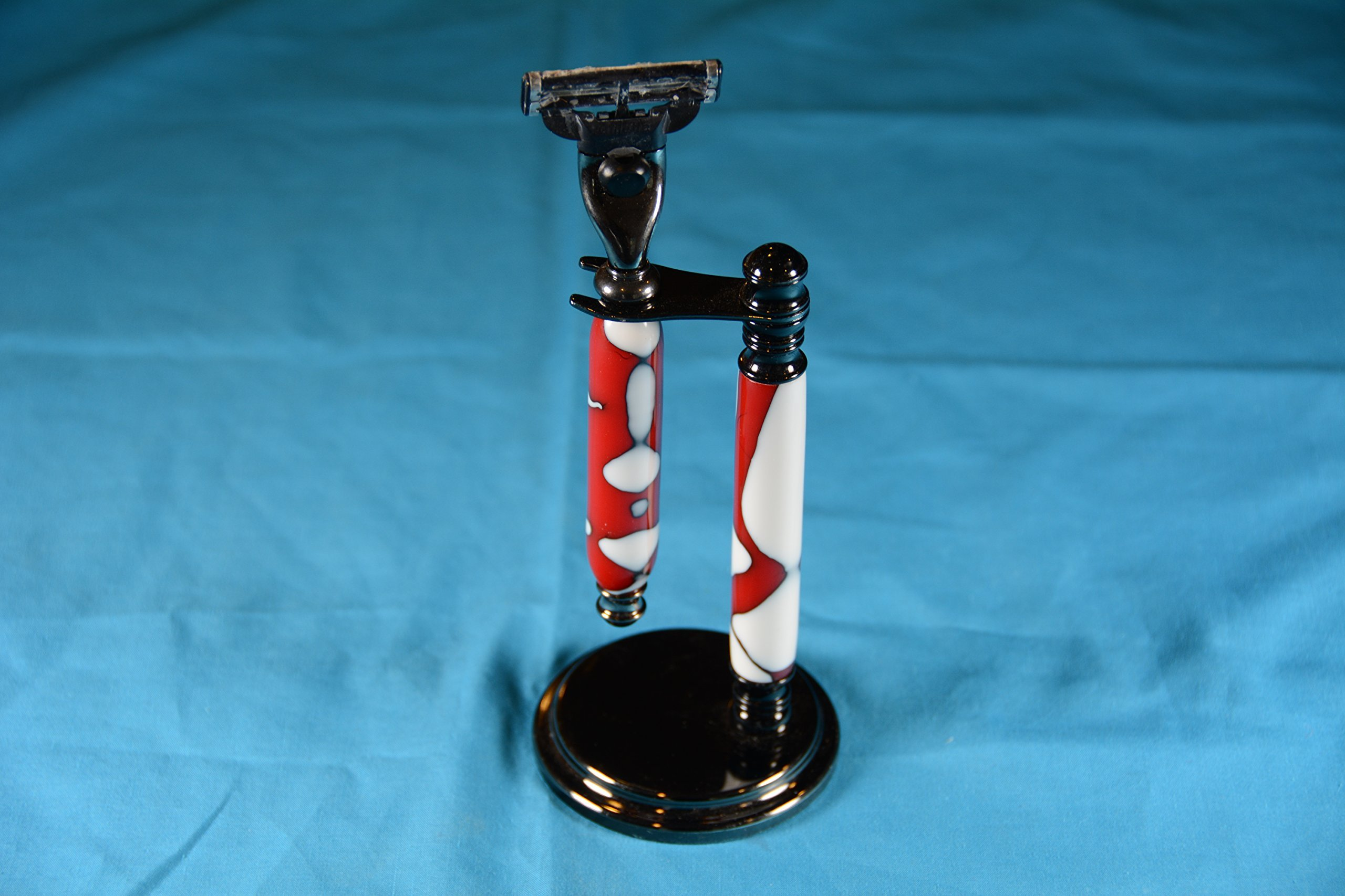 Razor with stand