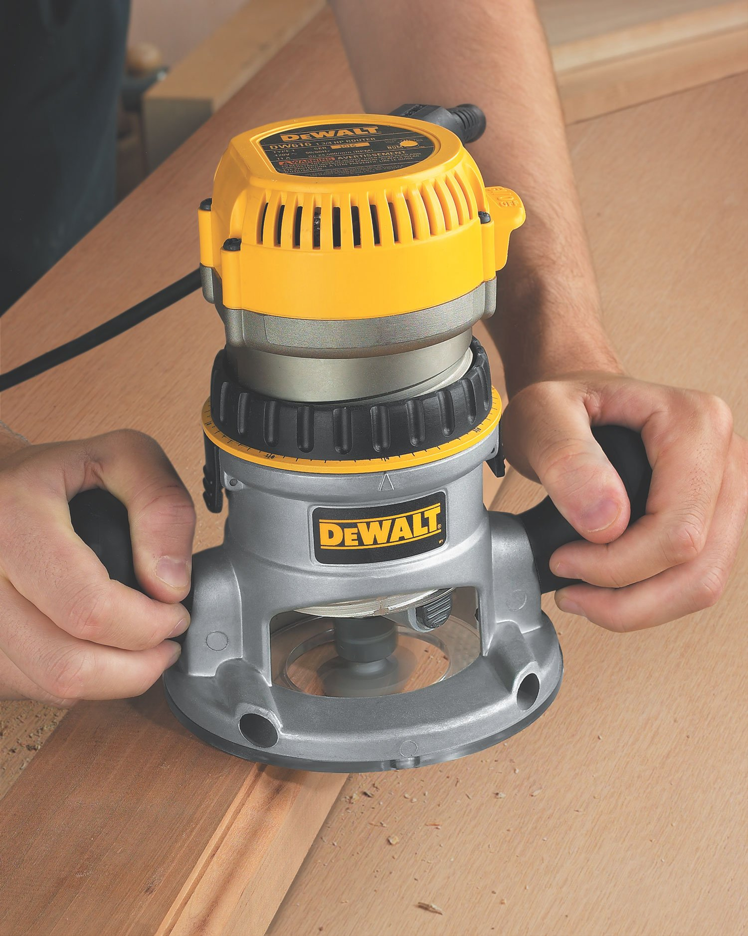DEWALT DW618 2-1/4 HP Electronic Variable-Speed Fixed-Base Router by DEWALT (Image #3)