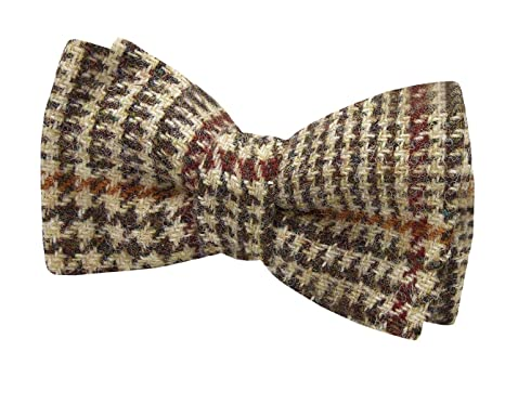 7a5ccc0a72e8 Harris Tweed Mens Light Brown Dogtooth Check Tweed Bow Tie 100% Wool  Pre-Tied: Amazon.co.uk: Clothing