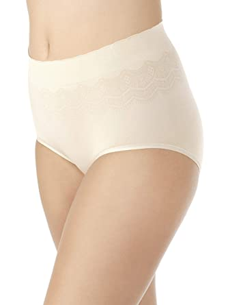 750feda5ac57 Vanity Fair Women's No Pinch-No Show Seamless Brief Panty 13170, Damask  Neutral Lace