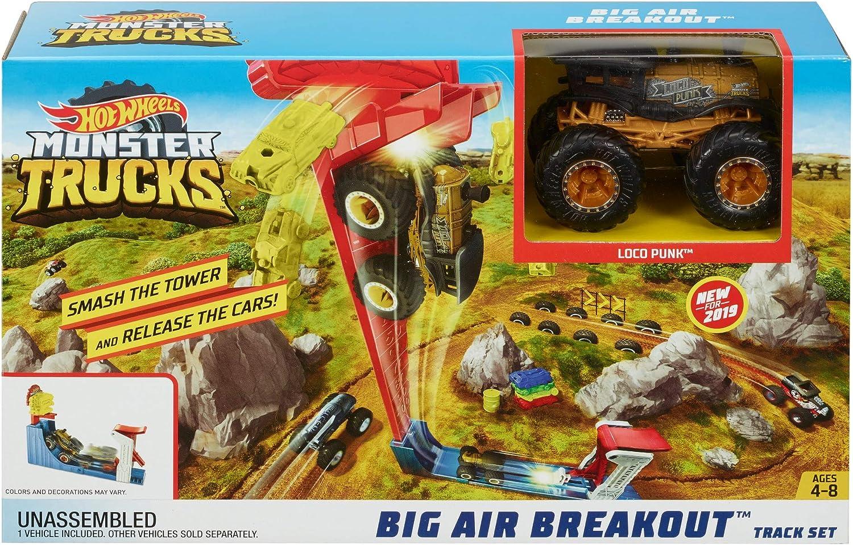 Amazon Com Hot Wheels Monster Trucks Big Air Breakout Play Set Toys Games