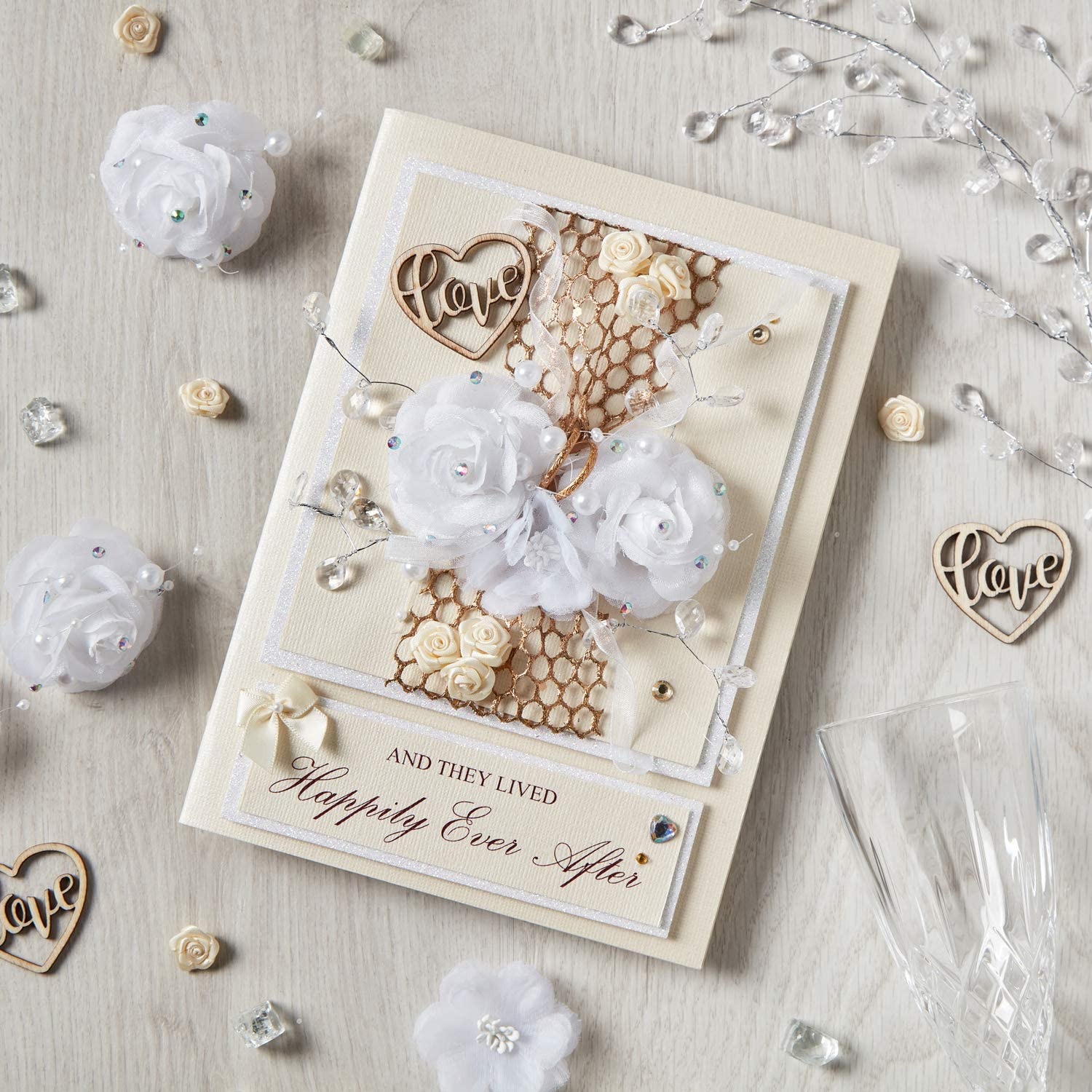 Handmade UK Wedding Gift Card 3D Gift for The Bride and Groom Mr and Mrs to be Wedding Day Card Congratulations Luxury /'and They Lived Happily Ever After/' Keepsake Boxed Wedding Card