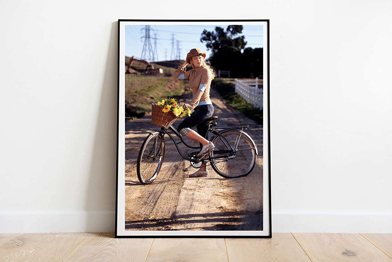 """Country Weekly Photoshoot Carrie Underwood Poster Wall Decor Art Wall Art Print Gift Poster Unframed Poster Print Canvas Printing Size - 11""""x17"""" 18""""x24"""" 24""""x32"""" 24""""x36"""" (A4-8.5""""x11"""" (21x29,7cm))"""