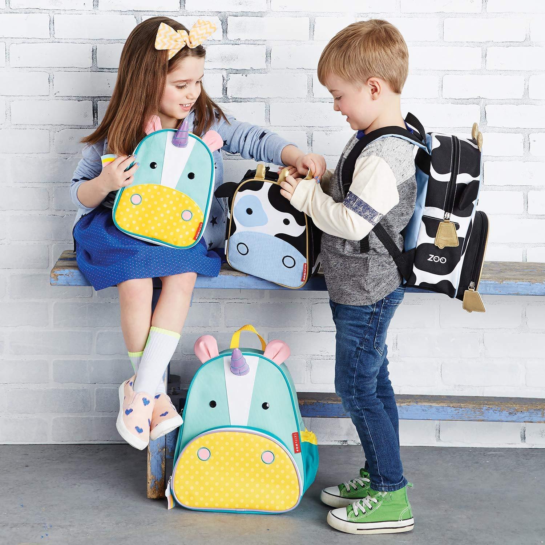 mit Namensschild Skip Hop Zoo Lunchie Mini Vespertasche f/ür den Kindergarten Kuh Cheddar mehrfarbig isoliert