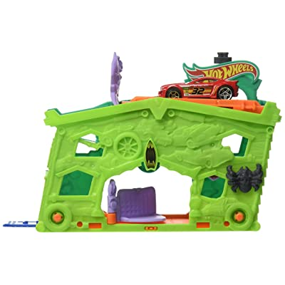Hot Wheels Ghost Garage Playset: Toys & Games