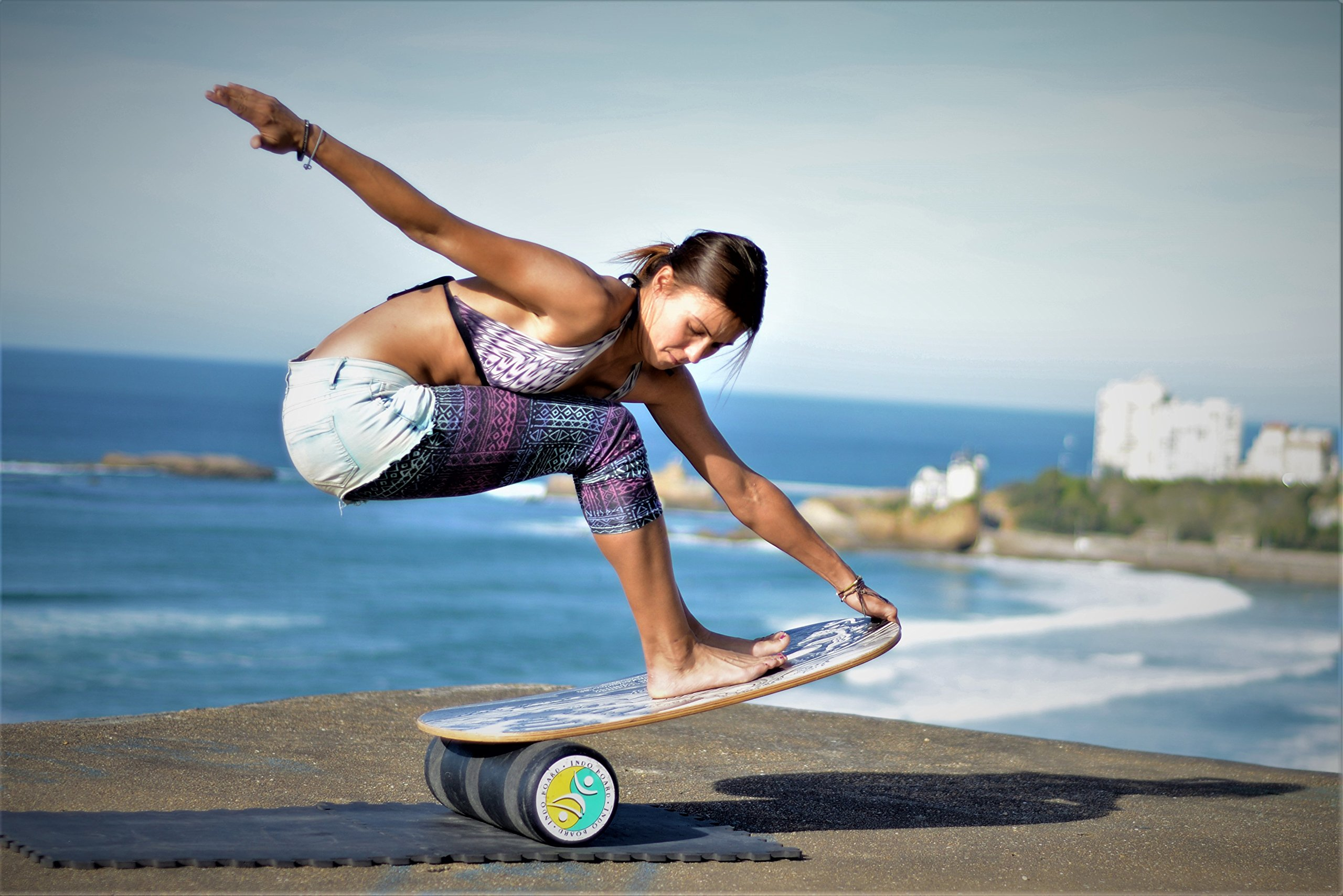 INDO BOARD Rocker 33'' X 16'' with 6.5'' Roller - High Performance Balance Board for Advanced Tricks - Mahogany Brown by INDO BOARD (Image #4)