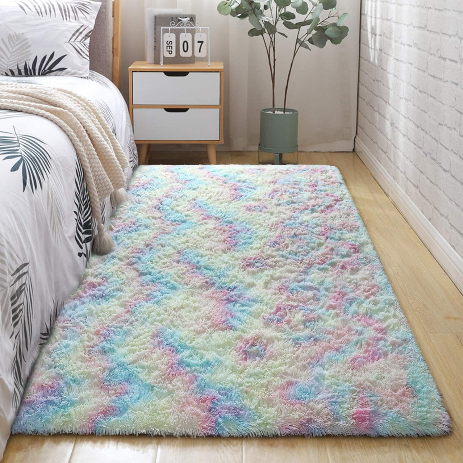 DETUM Kids Room Rug, 4x6 Feet Soft Colorful Fluffy Rug for Girls Bedroom Decor, Cute Rainbow Area Rugs for Nursery Room, Plush Carpet for Baby Girl Toddler Play Room