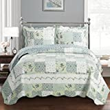 Deluxe Brea Oversized Bedspread. Beautiful quilt is decorated with patches of various floral designs. Creates the relaxing ambience of a resort in your bedroom. Bed Cover Quilt 3 Pieces Queen Set