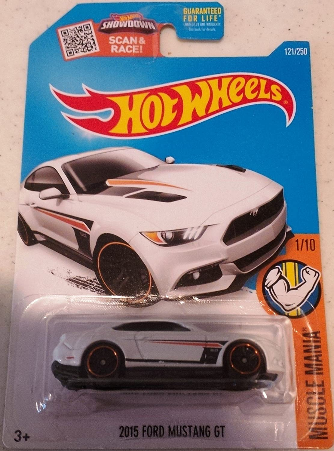 Amazon com hot wheels 2016 muscle mania 2015 ford mustang gt white 121 250 toys games