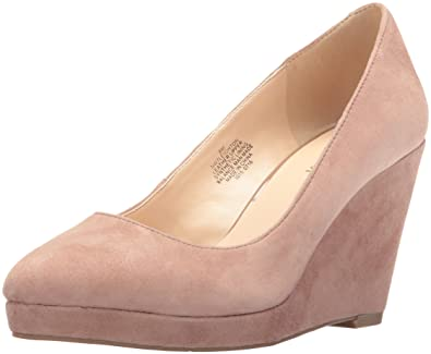 420f26295a595 Amazon.com | Nine West Women's Leighton Suede Wedge Pump, Natural 9 ...
