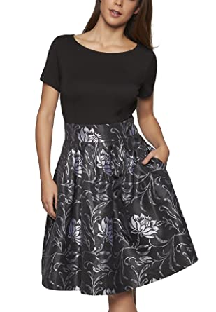 Schwarzes kleid mit silber