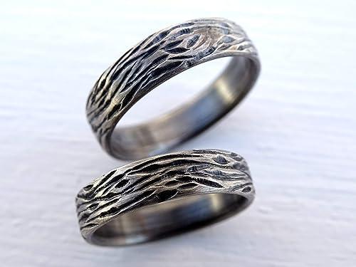 Amazon Com Nature Wedding Ring Set Silver Wedding Band Set Unique Wedding Rings Wood Grain Rings Carved Silver Rings Matching Wedding Bands His And Hers Handmade
