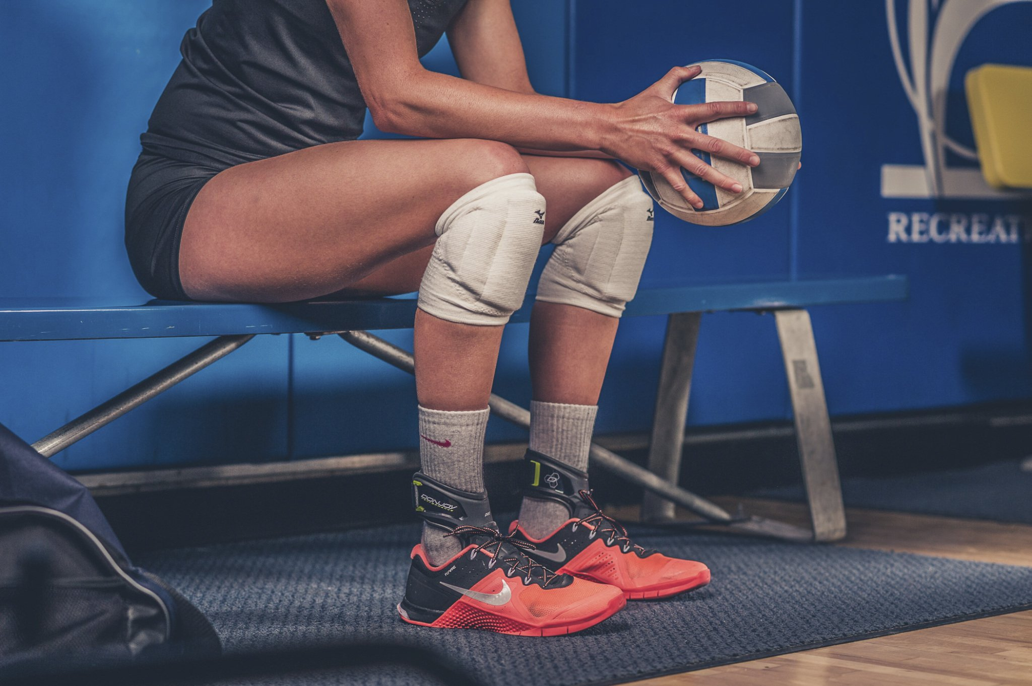 DonJoy Performance POD Ankle Brace, Best Support for Stability, Ankle Sprain, Roll, Strains for Football, Soccer, Basketball, Lacrosse, Volleyball -Medium- Right - Black by DonJoy Performance (Image #16)