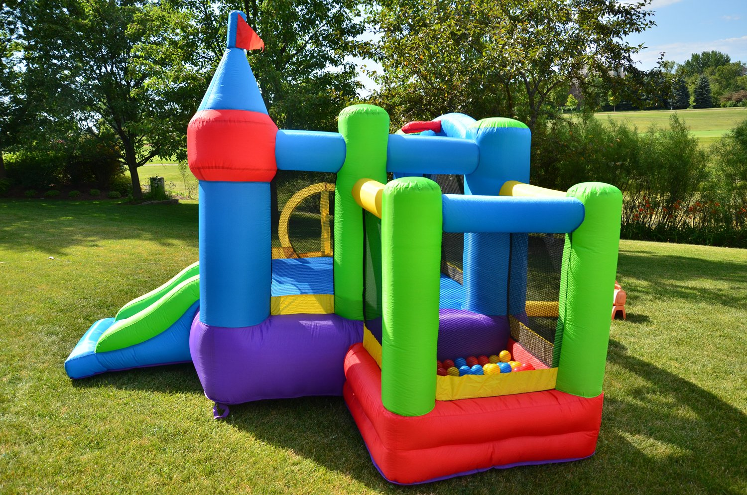 amazon com bounceland inflatable dream castle with ball pit