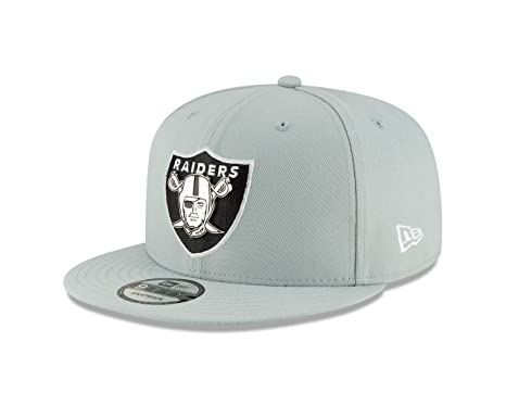 b72f75c7a65 Image Unavailable. Image not available for. Color  New Era Oakland Raiders  Metal and Thread 9FIFTY Snapback Adjustable NFL Hat