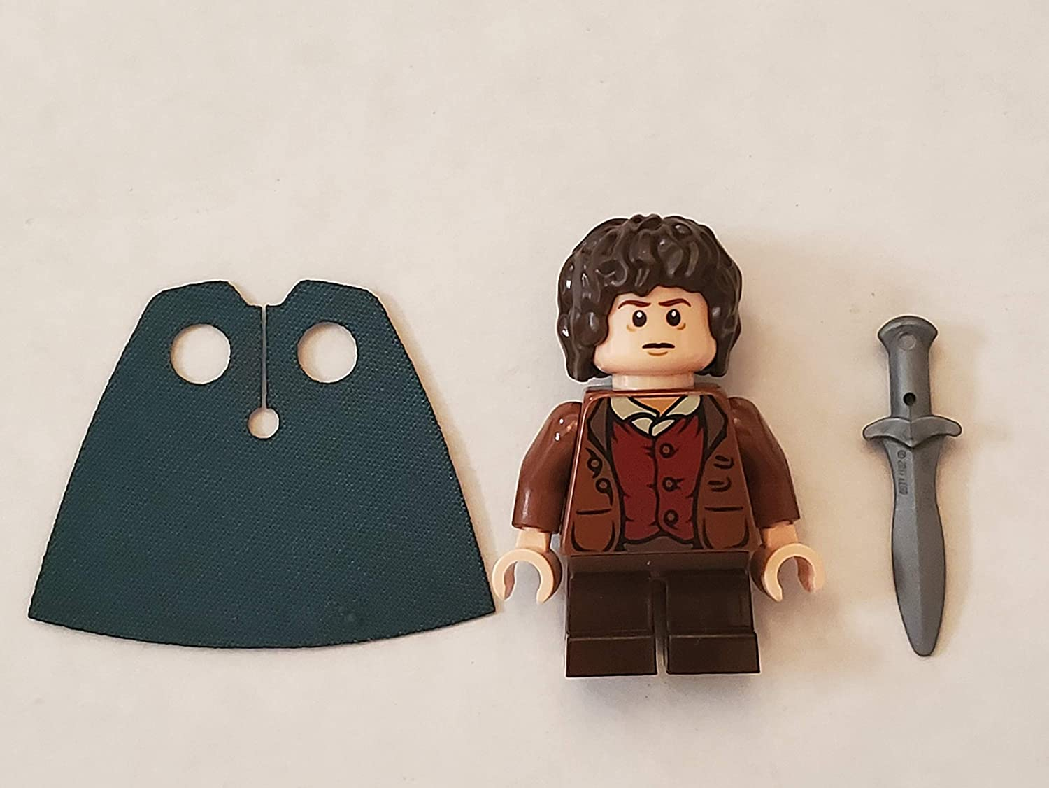 LEGO The Lord of the Rings: Frodo Baggins Minifigure with Green Cape