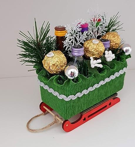 Weihnachtsgeschenk Deko Schlitten Mit Pralinen Und Kleiner Klopfer