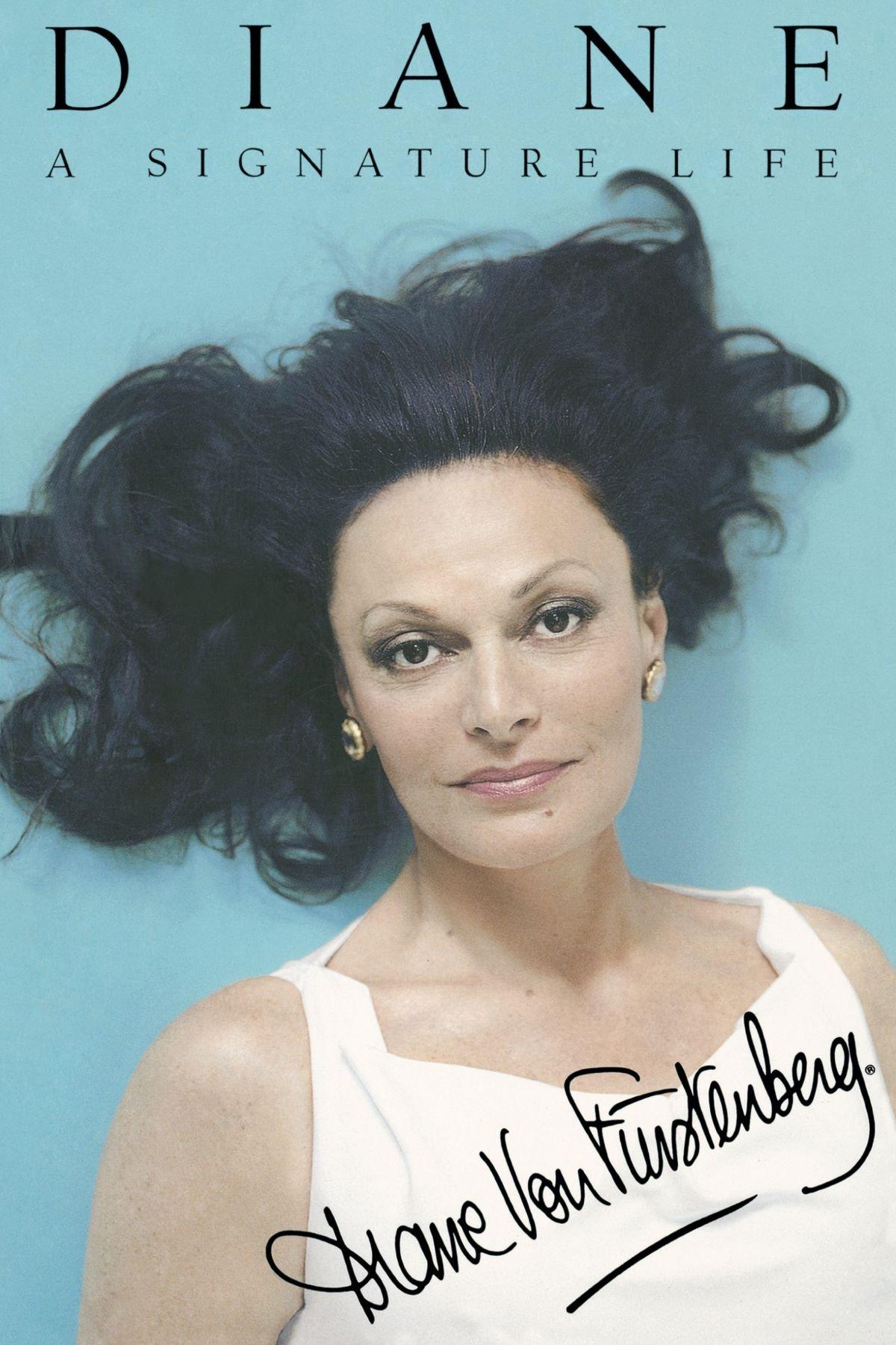 05eeadc47 Diane: A Signature Life Paperback – June 11, 2009. by Diane von Furstenberg  ...
