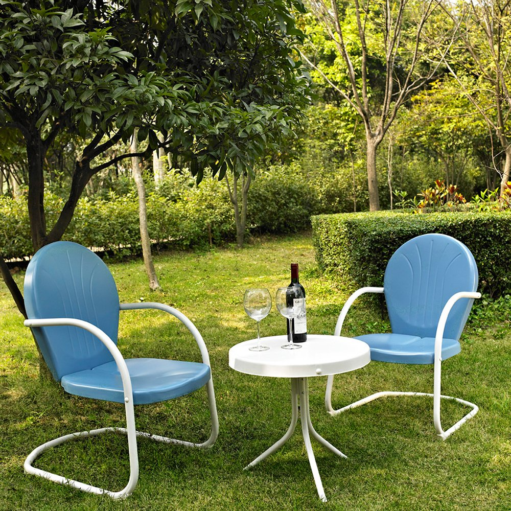 amazoncom crosley furniture griffith 3piece metal outdoor set with table and 2 chairs sky blue outdoor and patio furniture sets patio