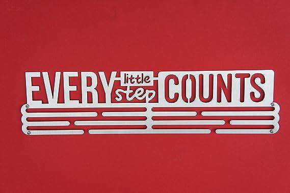 """Porta medaglie con scritta /""""Every Little Step Counts/"""" in acciaio INOX"""