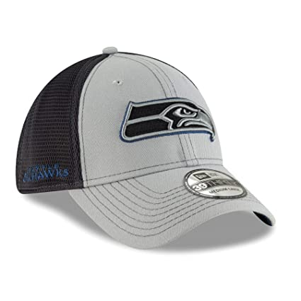 outlet store 7248e b710e Amazon.com   New Era Seattle Seahawks NFL 39THIRTY 2T Sided Flex Fit  Meshback Hat - Gray   Clothing