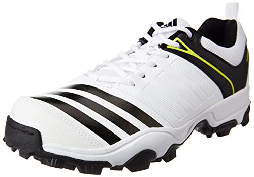 8fc7031a355a Adidas Men s 22 Yds Trainer16 Cricket Shoes  Buy Online at Low ...