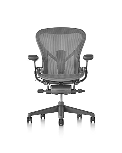 Amazon Com Herman Miller Aeron Chair Size C Carbon Kitchen Dining