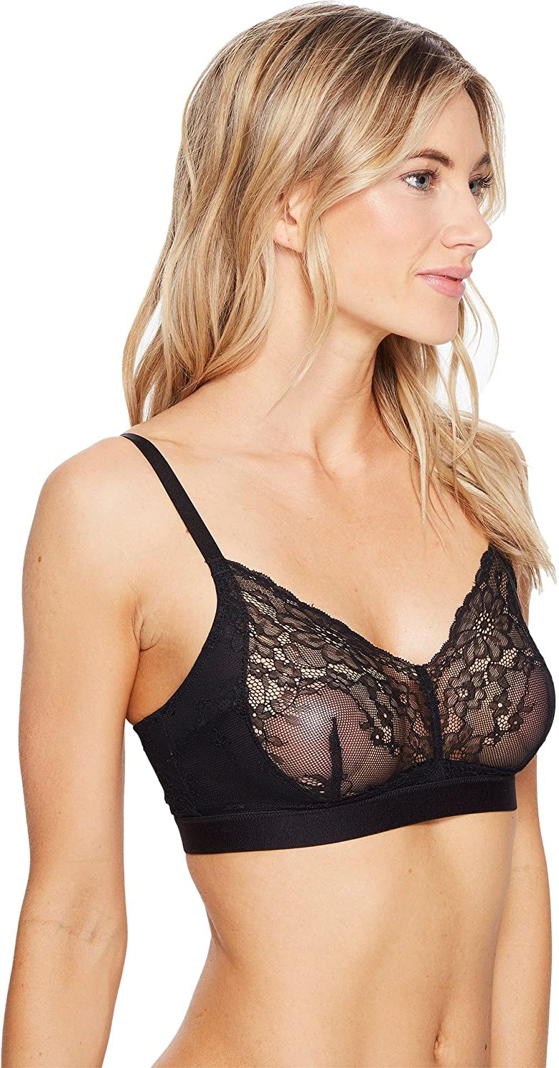47304592e8553 SPANX Women s Spotlight On Lace Bralette at Amazon Women s Clothing store