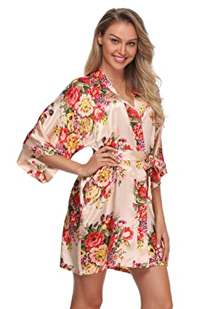 fc4dfb5361 The Bund Women Short Floral Kimono Robe Bridal Dressing Gown for ...