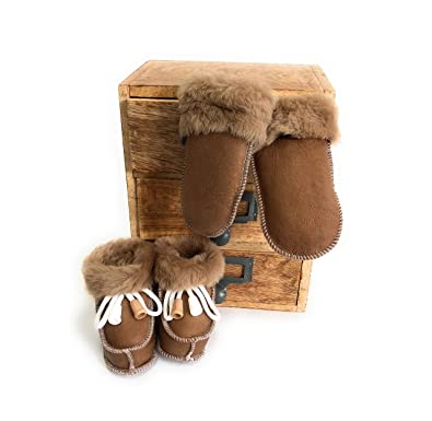 46b0e7bd72ee Sheepskin Baby Slippers Gloves Set Boots Mittens Thumbed Mittens ...