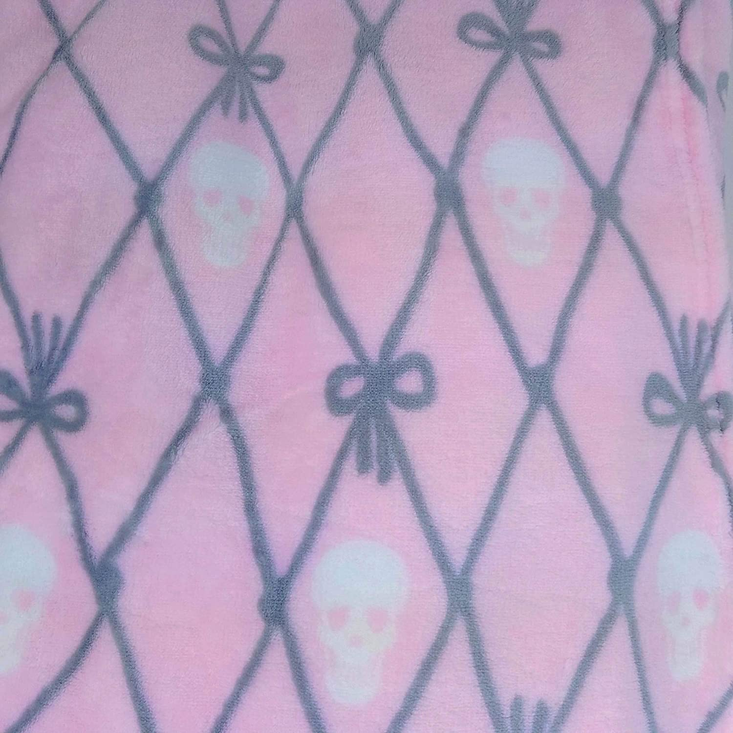 REVMAN Twin Size Pink /& Gray Bow Ties and Skulls Print Ultra Soft Plush Large Bed Blanket by Betsey Johnson