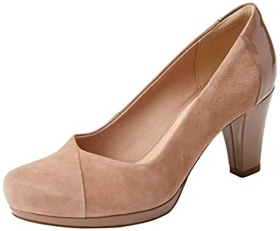 Womens Chorus Carol Closed-Toe Pumps Clarks EHlCy53