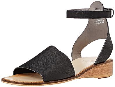 Womens Metta Suede Ankle Strap Sandals, Blush Hudson