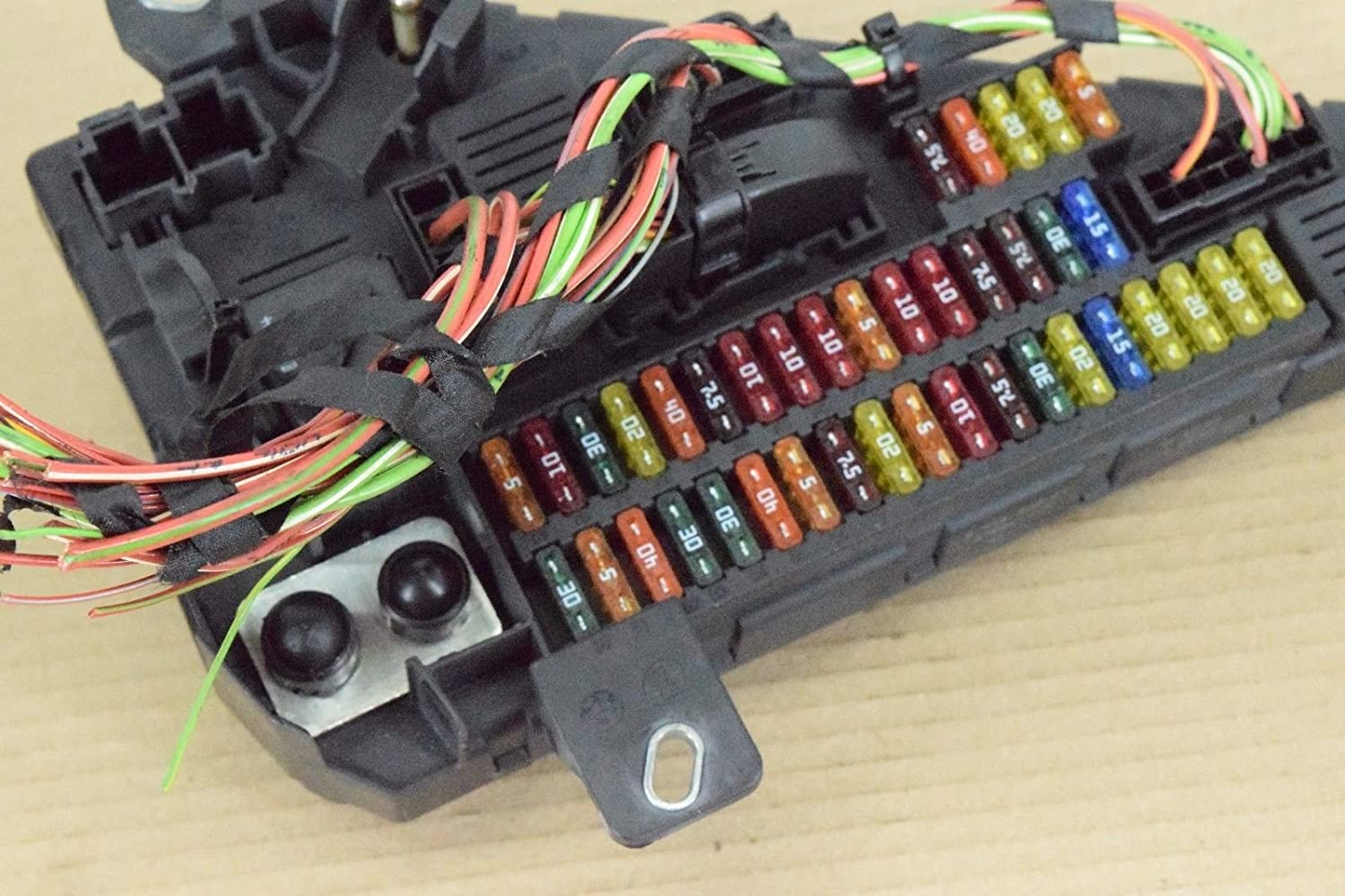 amazon com: bmw e60 rear trunk distribution fuse box module oem 528i 528xi  535xi