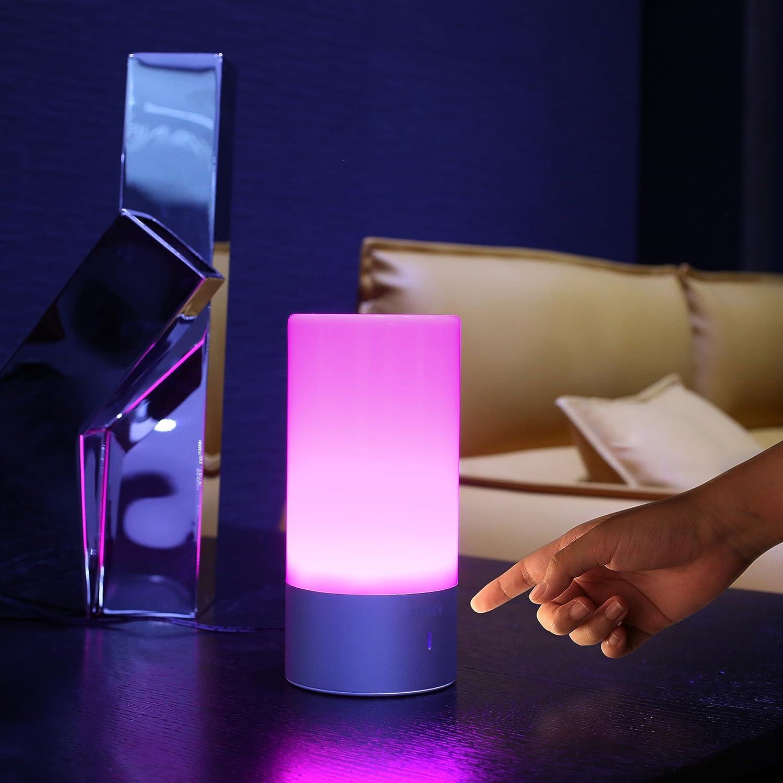 Lámpara de mesa LED AUKEY de oferta por 19 euros (Cupón Descuento) 1 lámpara de mesa AUKEY